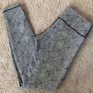 Lululemon 7/8 leggings 6